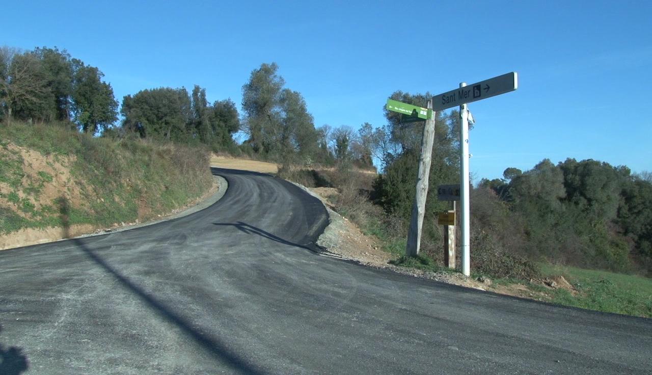Cornellà del Terri asfalta un tram de la carretera de Santa Llogaia