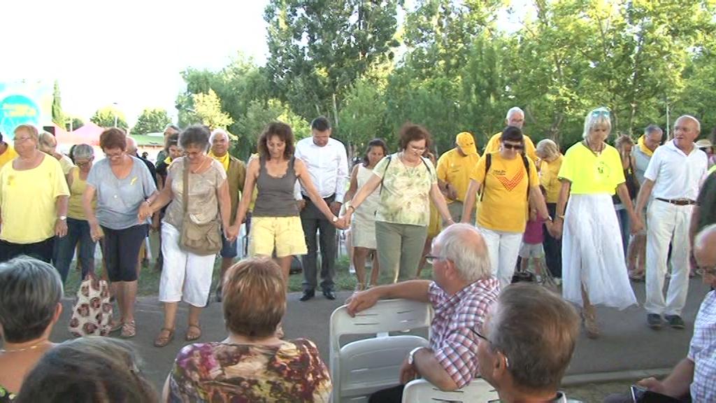 Més de 12.000 persones ballen per la llibertat