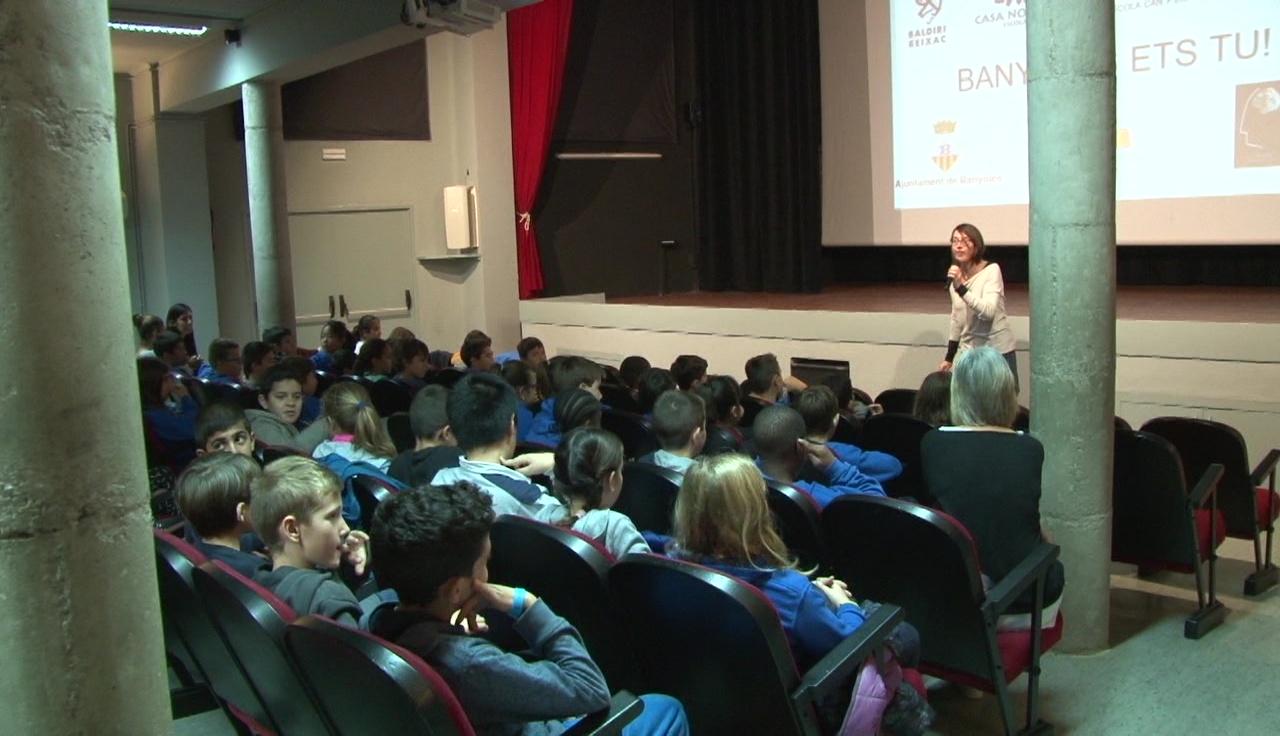 """180 alumnes participen a la 4a edició del projecte """"Banyoles Ets Tu"""""""