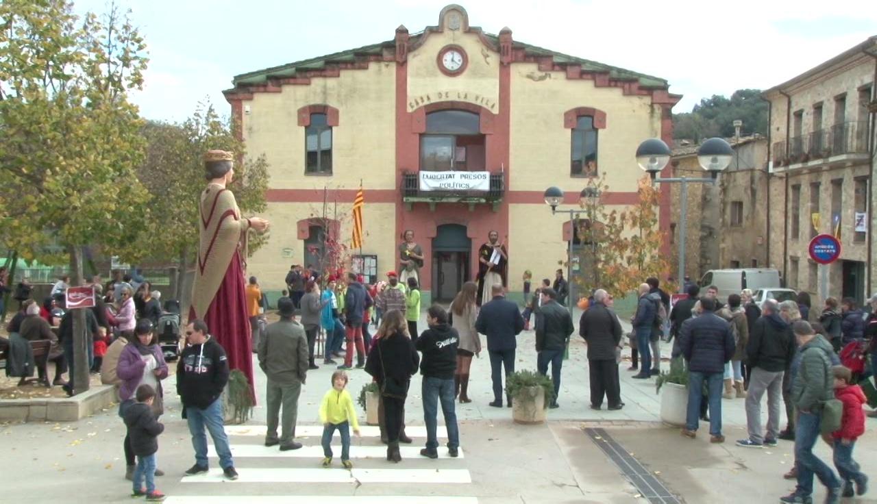 Un pregó a càrrec dels gegants de Serinyà obre la Festa de Sant Andreu
