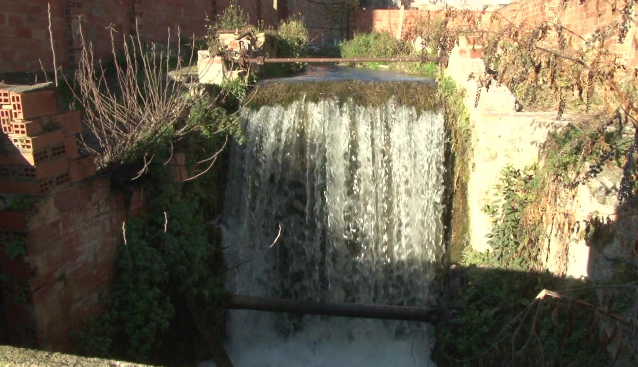 Juncà Immobles cedeix un terreny a l'Ajuntament de Banyoles per acabar d'arreglar el Rec Major