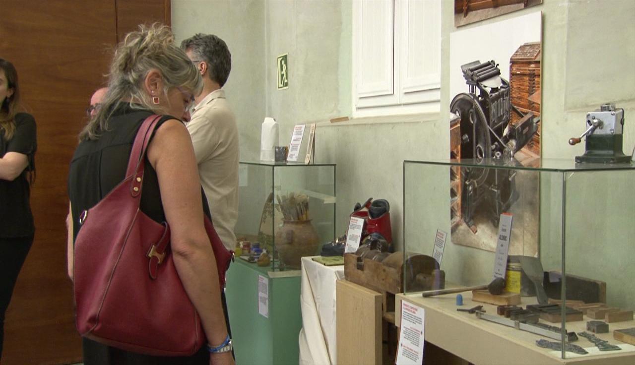 Inaugurada l'exposició sobre la història del comerç de Banyoles