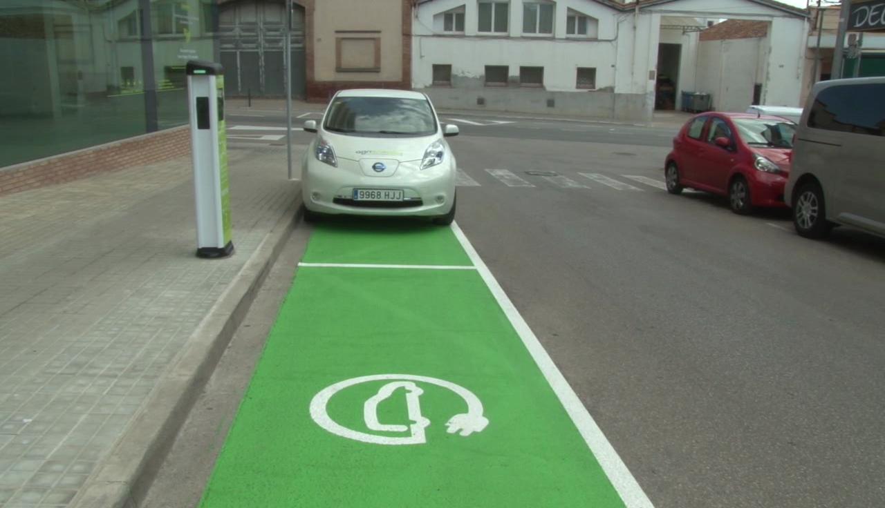 Nou punt de recàrrega gratuït de vehicles elèctrics